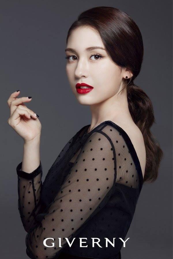 Hình ảnh quảng cáo mới nhất sau khi về công ty con của YG, Jeon Somi từ 18 tuổi biến thành 28 tuổi! - Ảnh 1.