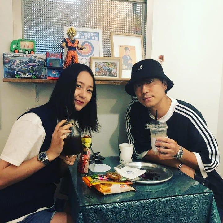 Điều gì khiến quán cafe trông bình dân này được hàng loạt sao nổi tiếng như Bi (Rain), Krystal, Song Seung Hun... ghé thăm? - Ảnh 2.
