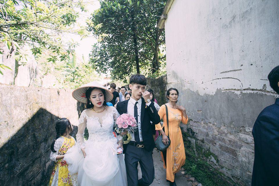 Tưởng mếu máo vì bị ép cưới, ai ngờ là chú rể thương vợ nên bày trò - Ảnh 4.