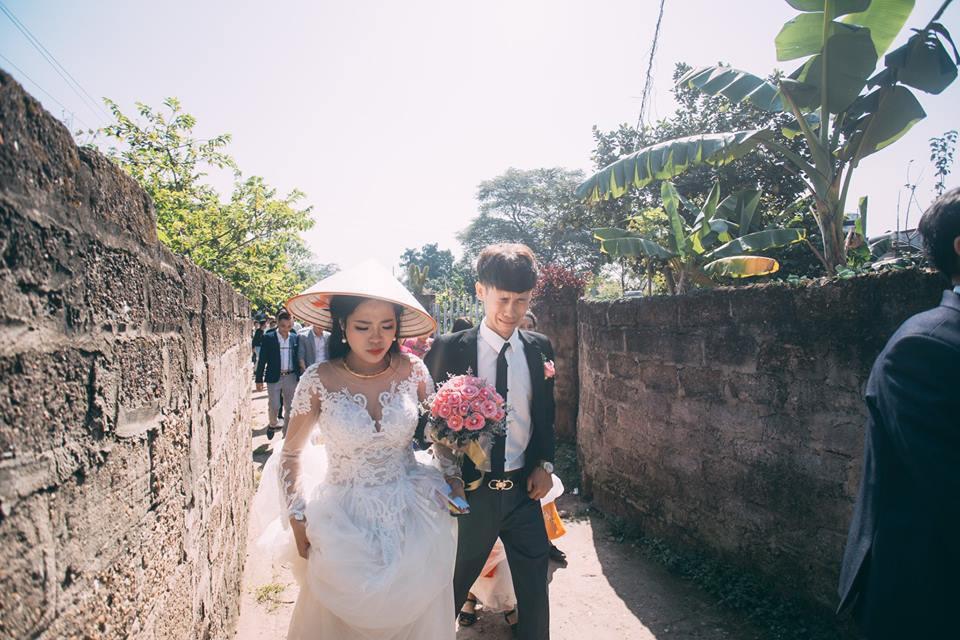 Tưởng mếu máo vì bị ép cưới, ai ngờ là chú rể thương vợ nên bày trò - Ảnh 2.