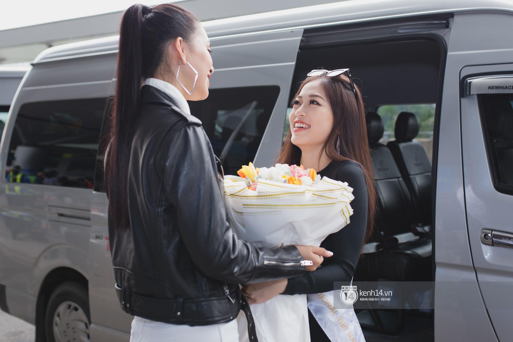 Vừa trở về từ Pháp tức thì, Trần Tiểu Vy ở lại sân bay tiễn Bùi Phương Nga đi Myanmar tham dự Hoa hậu Hoà bình Quốc tế - Ảnh 6.