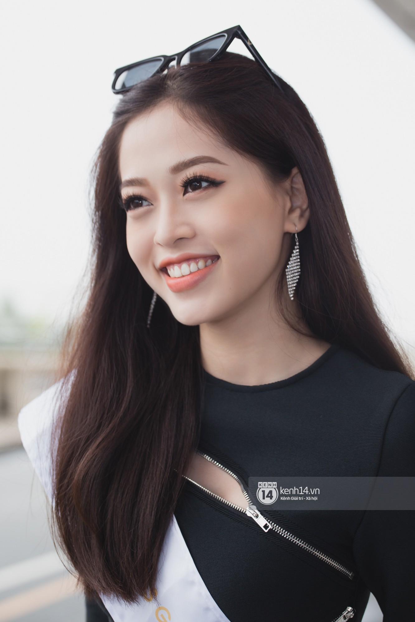 Trần Tiểu Vy ở lại sân bay tiễn Bùi Phương Nga đi thi Hoa hậu quốc tế - Ảnh 13.