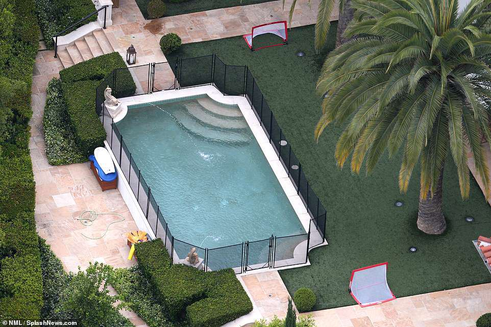 Vợ chồng Beckham lãi đến 258 tỷ nhờ bán được biệt thự hoành tráng với 6 phòng ngủ, 9 phòng tắm! - Ảnh 6.