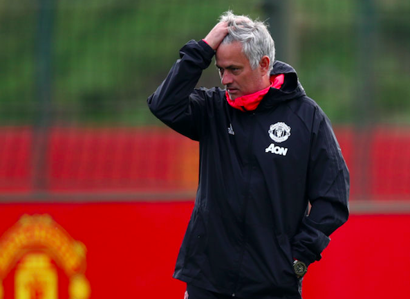 Báo Anh: MU sẽ sa thải Mourinho cuối tuần này bất chấp kết quả thế nào - Ảnh 1.
