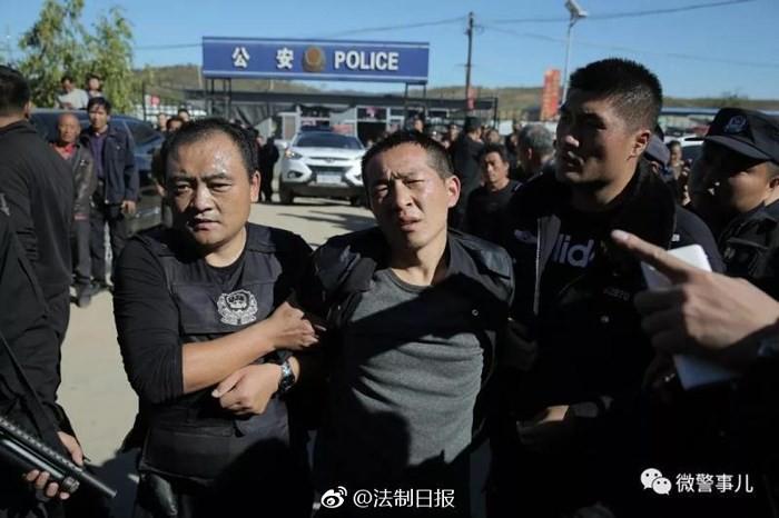 [VIDEO] Cảnh sát Trung Quốc tóm gọn 2 tên tù vượt ngục - Ảnh 3.