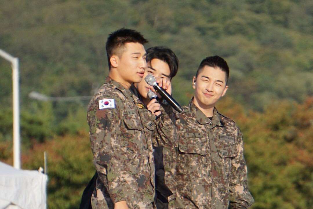 Rơi nước mắt vì khoảnh khắc Seungri đến thăm Taeyang, Daesung và cùng biểu diễn loạt hit Big Bang trong quân ngũ - Ảnh 4.