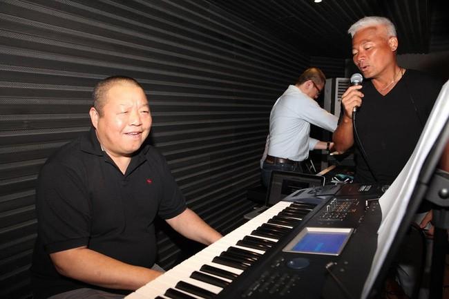 Ca sĩ nhạc rock nổi tiếng của Trung Quốc chết vì ung thư gan, cảnh báo kiểu người dễ mắc chứng bệnh này - Ảnh 3.