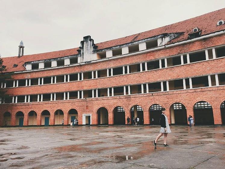 Đây chính là ngôi trường nằm trên đồi đẹp nhất Đà Lạt, được dân tình checkin nườm nượp - Ảnh 5.