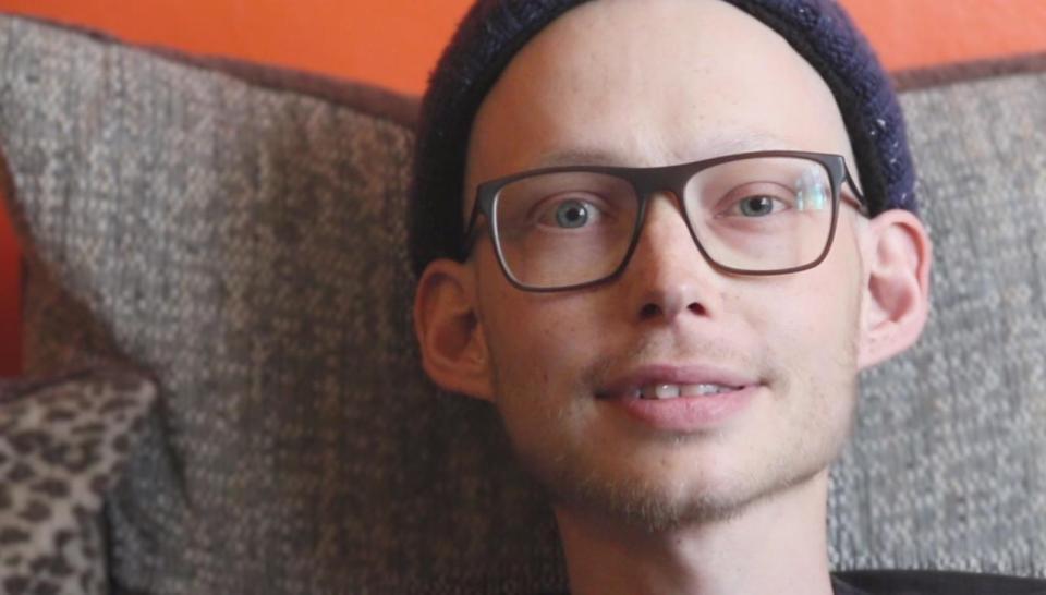 Chàng trai người Anh được chẩn đoán mắc bệnh ung thư thông qua triệu chứng mà rất nhiều người gặp phải - Ảnh 1.