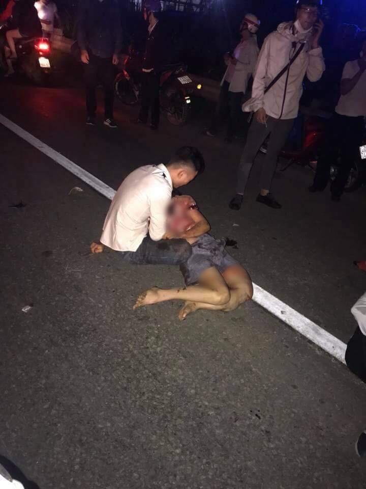 Thanh niên lái xe máy phóng quá tốc độ gây tai nạn, một phụ nữ mang thai chết thảm - Ảnh 1.