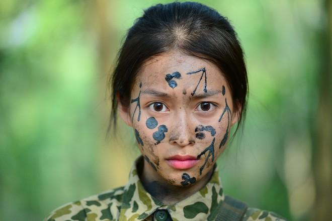 Dàn sao Hậu duệ mặt trời bản Việt đi show khác hẳn tính cách trên phim - Ảnh 7.