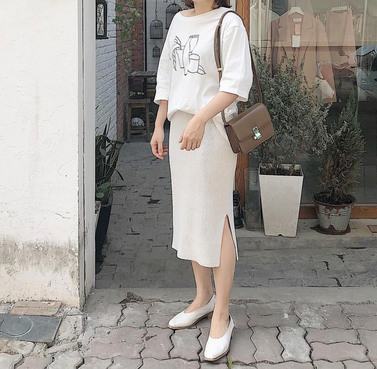 Ngoài quán cà phê, giới trẻ Việt Nam giờ còn ùn ùn đến các shop quần áo để chụp ảnh - Ảnh 15.