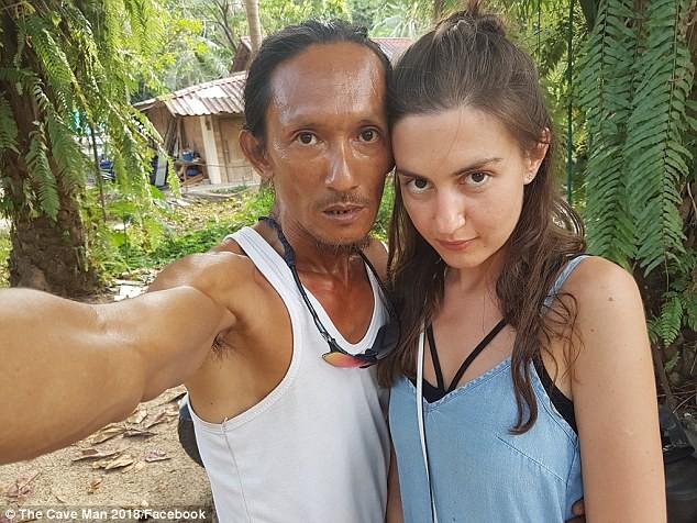 Người rừng Thái Lan sống trong hang động bỗng nổi tiếng khắp MXH vì hẹn hò với toàn mỹ nữ phương Tây - Ảnh 3.