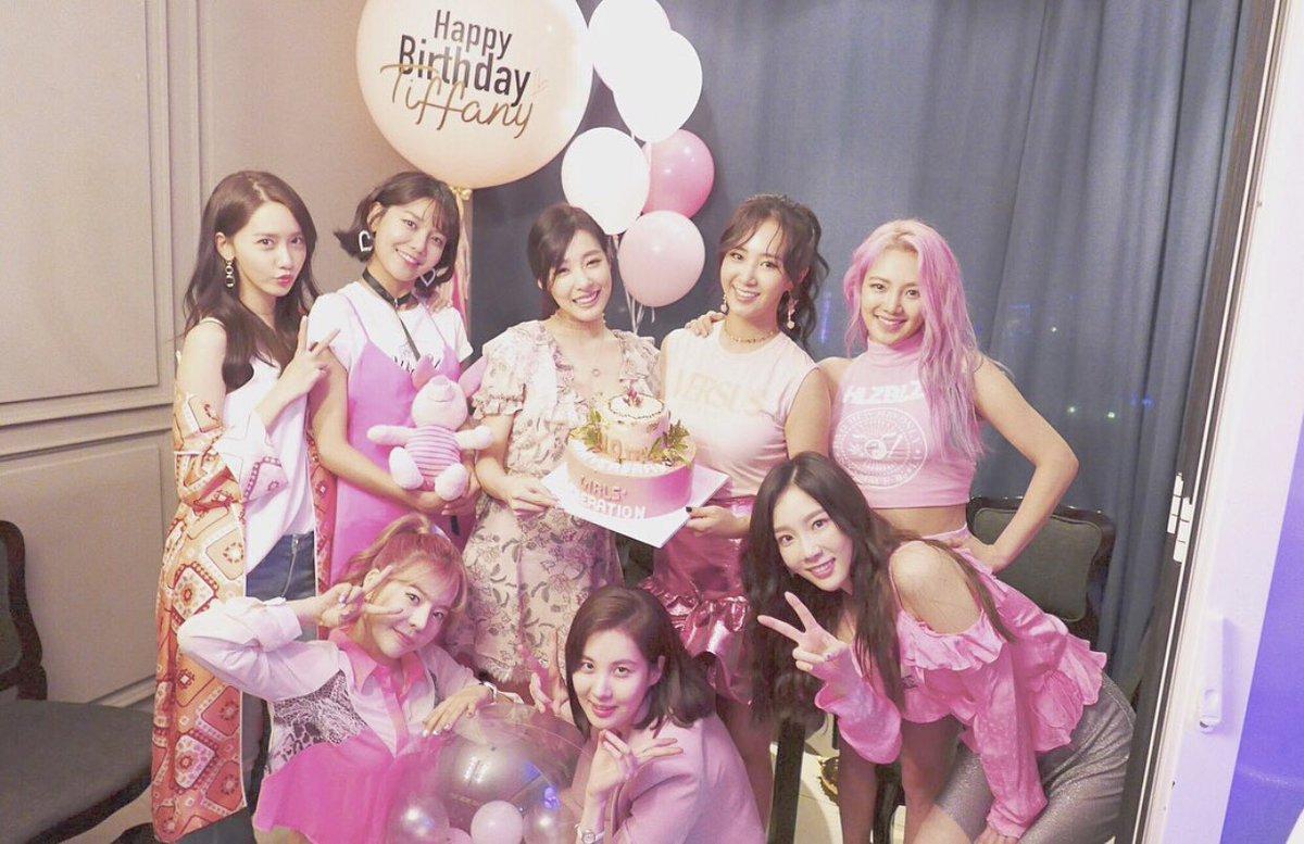 Top 13 nhóm nhạc thế hệ thứ 2 vẫn còn trụ vững ở Kpop, SM đặc biệt là công ty có nhiều tường thành nhất - Ảnh 5.
