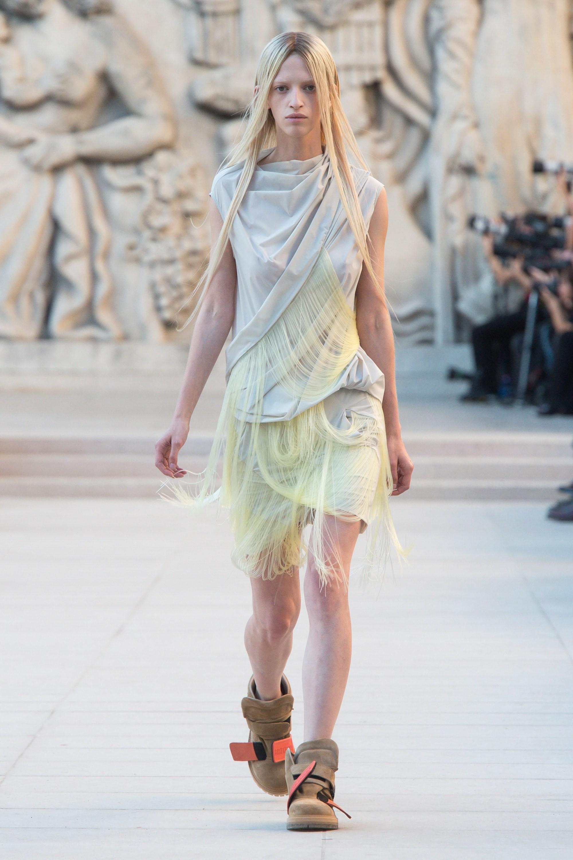 Top BST đỉnh nhất Paris Fashion Week do Vogue Mỹ chọn: Chanel vẫn an tọa, Gucci và Dior thì mất hút - Ảnh 9.