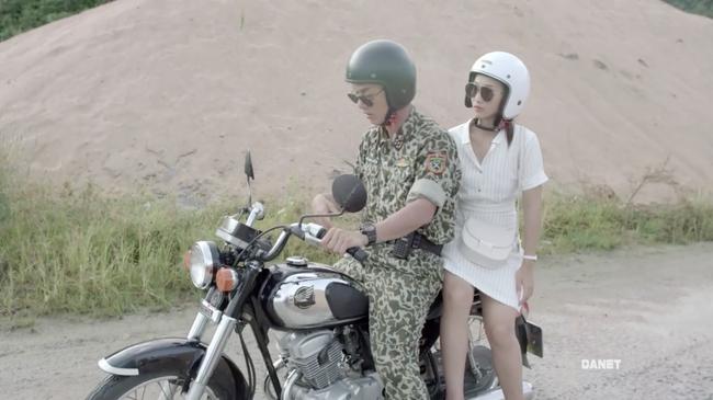 Có tâm như Khả Ngân: Đóng phim remake là cũng diện luôn trang phục giống Song Hye Kyo cho vẹn toàn - Ảnh 2.