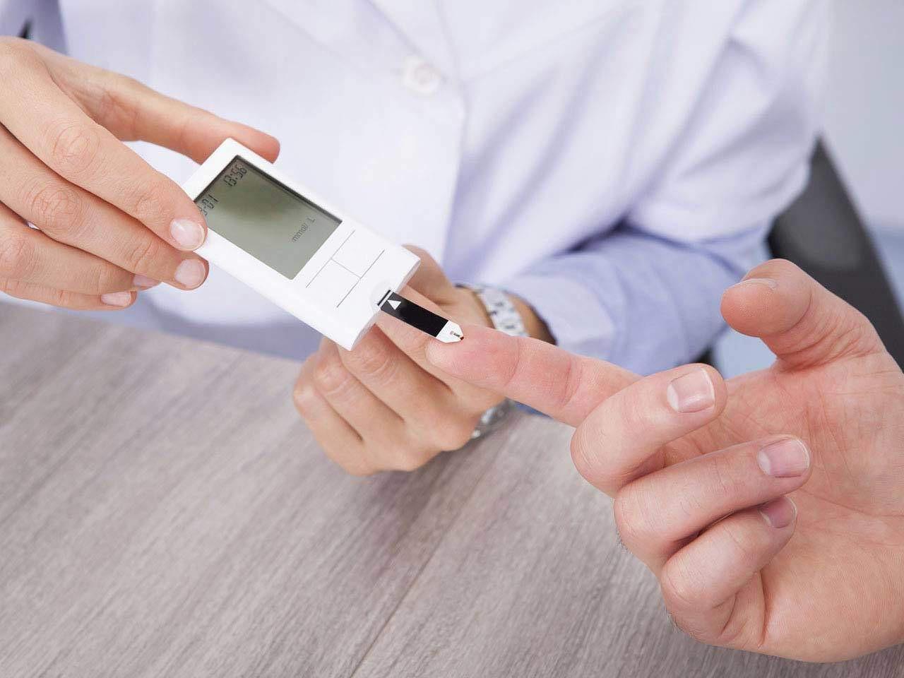 Gan của bạn có thể đang chất chứa đầy mỡ nếu gặp phải các triệu chứng sau - Ảnh 3.