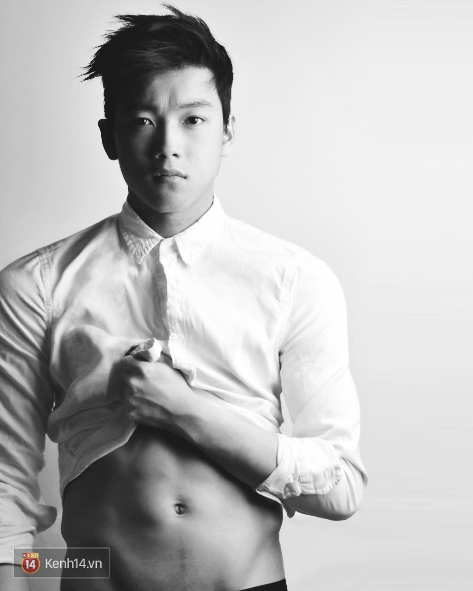Bằng chứng Chris Khoa đang lão hoá ngược: 4 năm gương mặt không chút thay đổi chút nào - Ảnh 2.