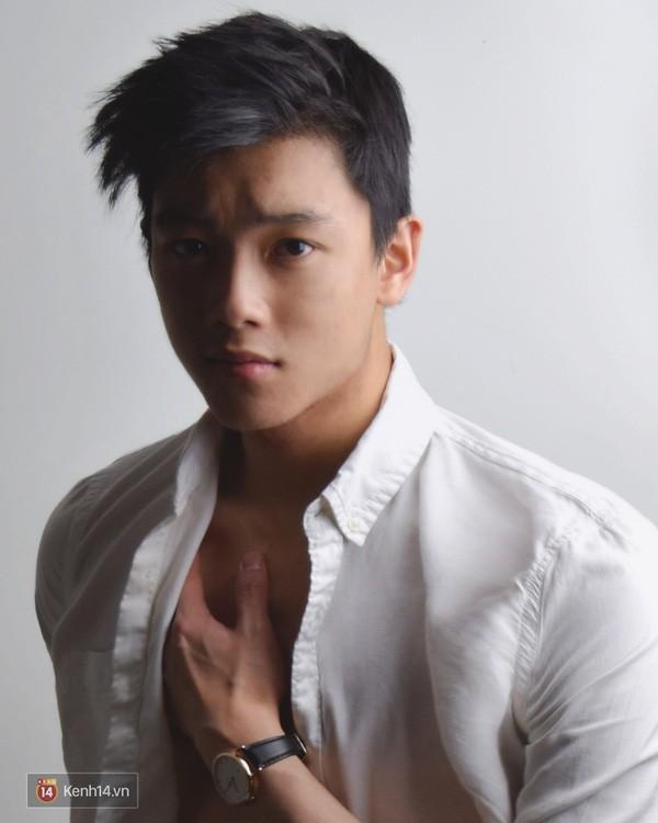 Bằng chứng Chris Khoa đang lão hoá ngược: 4 năm gương mặt không chút thay đổi chút nào - Ảnh 1.