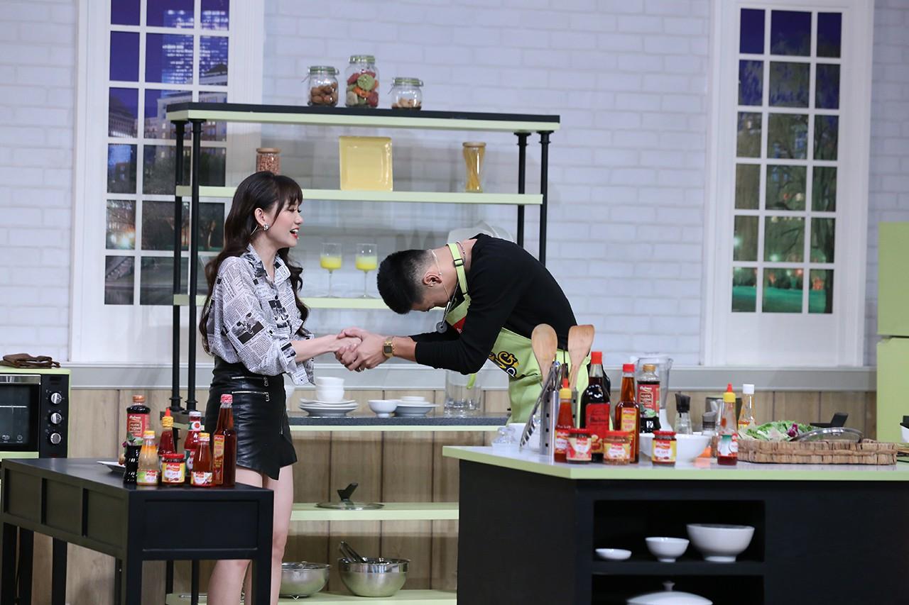 Hoàng Thùy, Cao Ngân không màng hình tượng, la hét đồng đội trong show nấu ăn - Ảnh 7.
