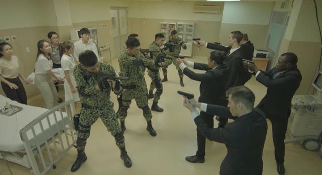 Bộ Quốc phòng lên tiếng về Hậu Duệ Mặt Trời phiên bản Việt - Ảnh 1.