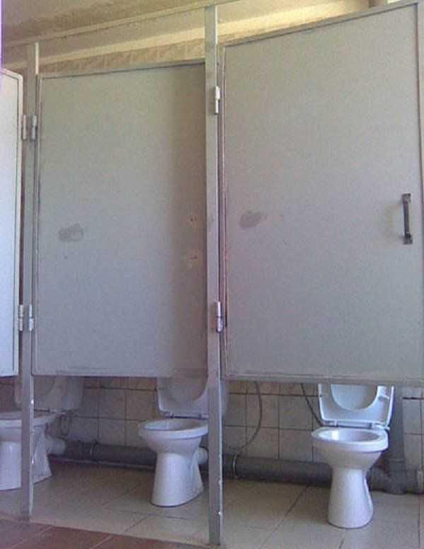 Chùm ảnh: Muôn hình vạn trạng những nhà vệ sinh có thiết kế xứng đáng được trao danh hiệu tệ nhất quả đất - Ảnh 18.