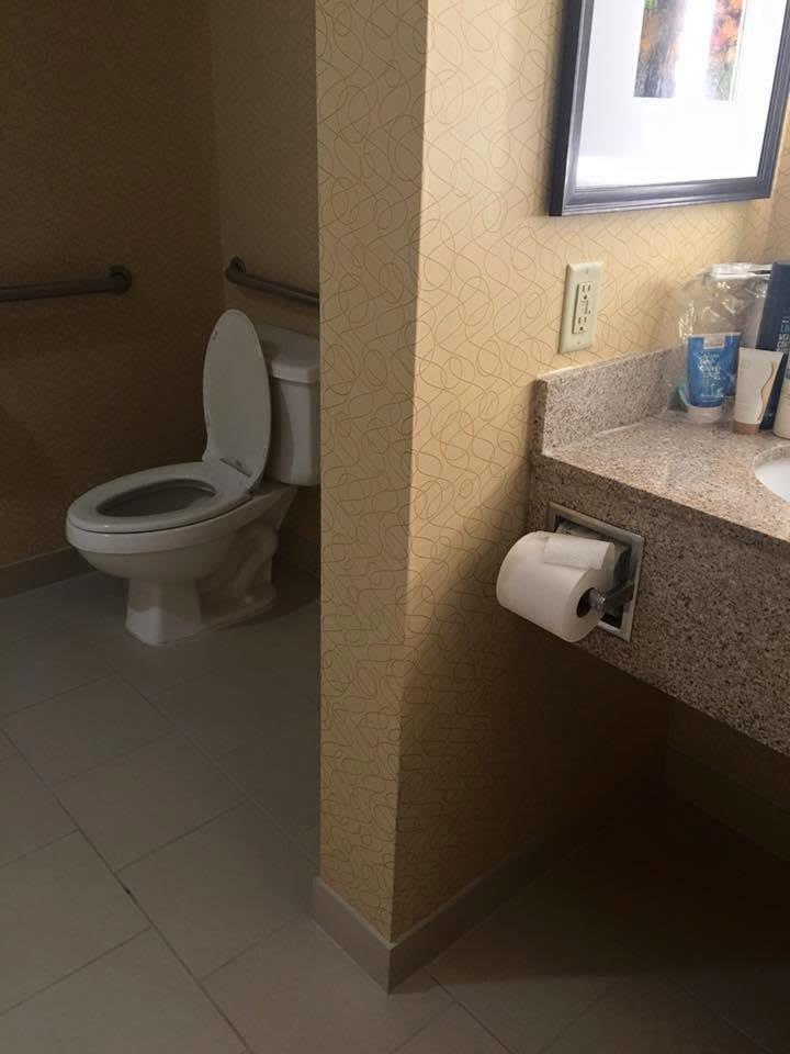 Chùm ảnh: Muôn hình vạn trạng những nhà vệ sinh có thiết kế xứng đáng được trao danh hiệu tệ nhất quả đất - Ảnh 28.