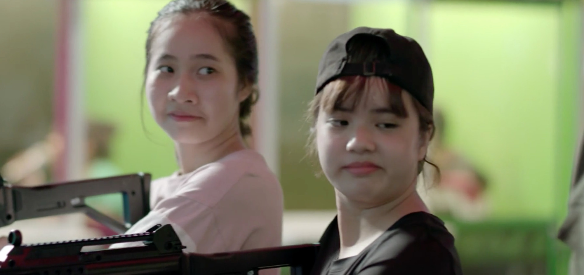 Sau 12 tập lên sóng, Hậu Duệ Mặt Trời bản Việt có gì khác với bản gốc? - Ảnh 4.