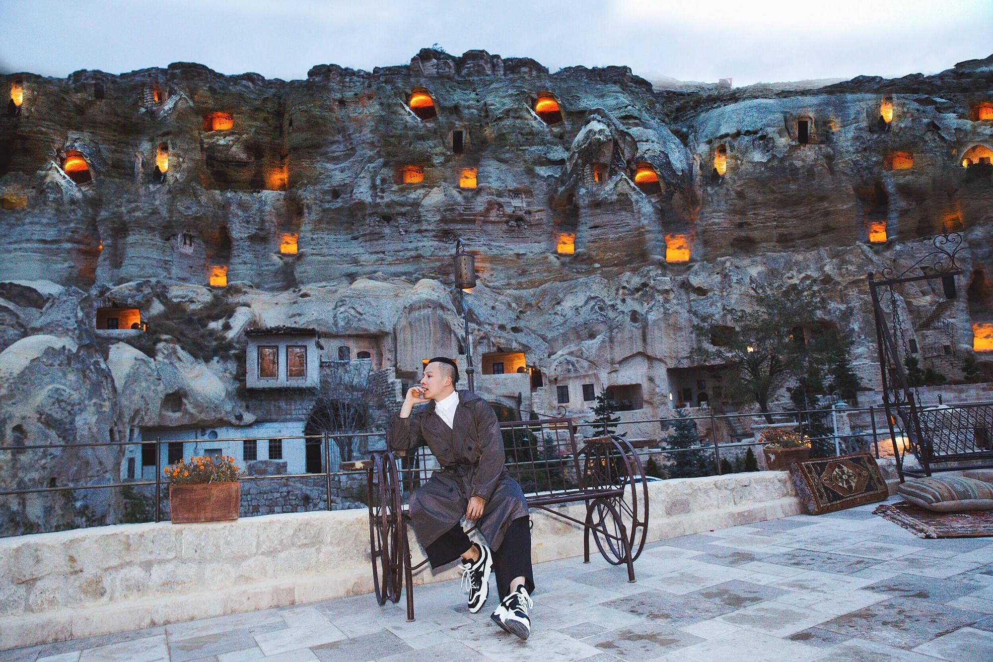 Ngọc Trinh đón bình minh đẹp như trong truyện cổ tích tại Thổ Nhĩ Kỳ cùng ông bầu Khắc Tiệp - Ảnh 5.
