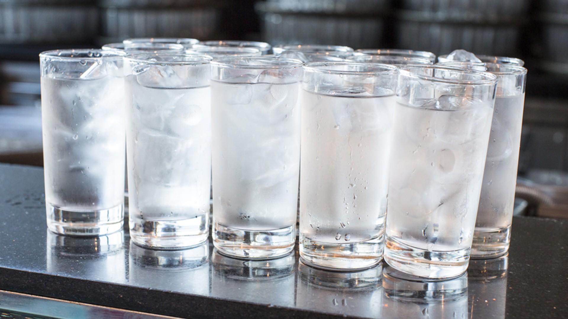 Ngộ độc nước - nghe kì lạ nhưng đã từng gây tử vong, nhiều người có nguy cơ gặp phải mà không biết - Ảnh 2.
