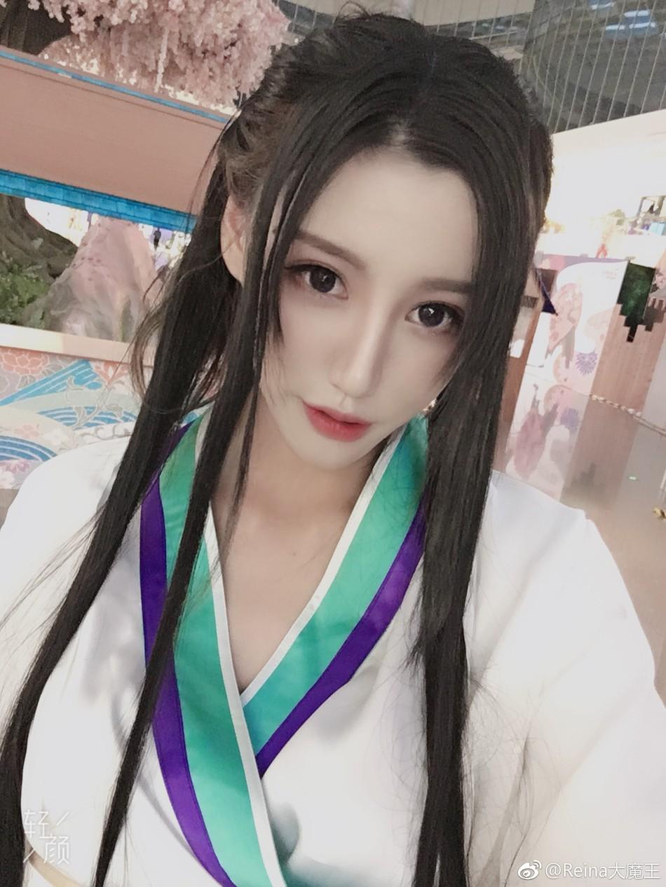 """Bắt gặp Thanh Xà Bạch Xà đi mua trà sữa, nhận danh hiệu bộ đôi """"chơi hết nút"""" nhất Halloween tại Trung Quốc năm nay - Ảnh 6."""