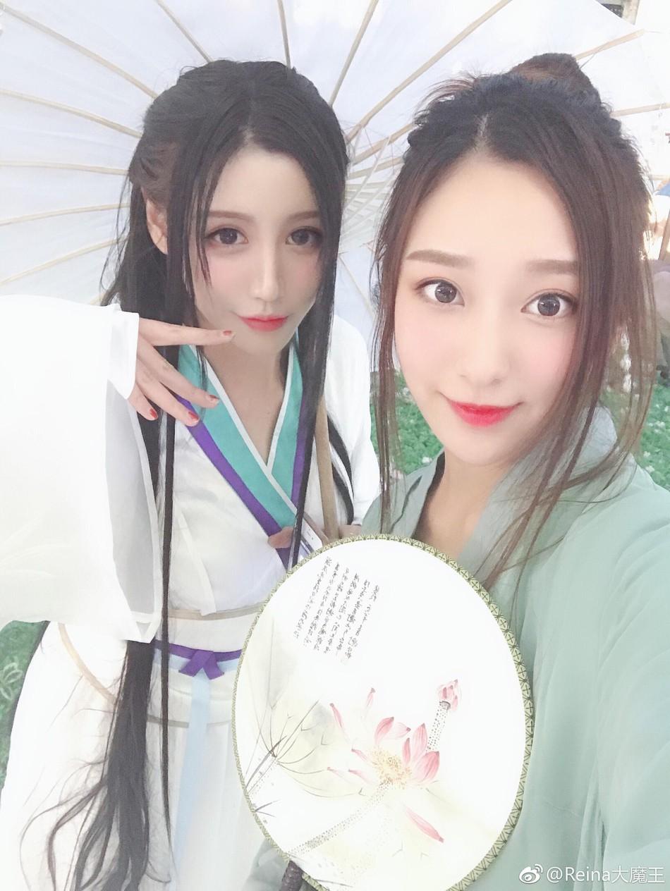 """Bắt gặp Thanh Xà Bạch Xà đi mua trà sữa, nhận danh hiệu bộ đôi """"chơi hết nút"""" nhất Halloween tại Trung Quốc năm nay - Ảnh 8."""