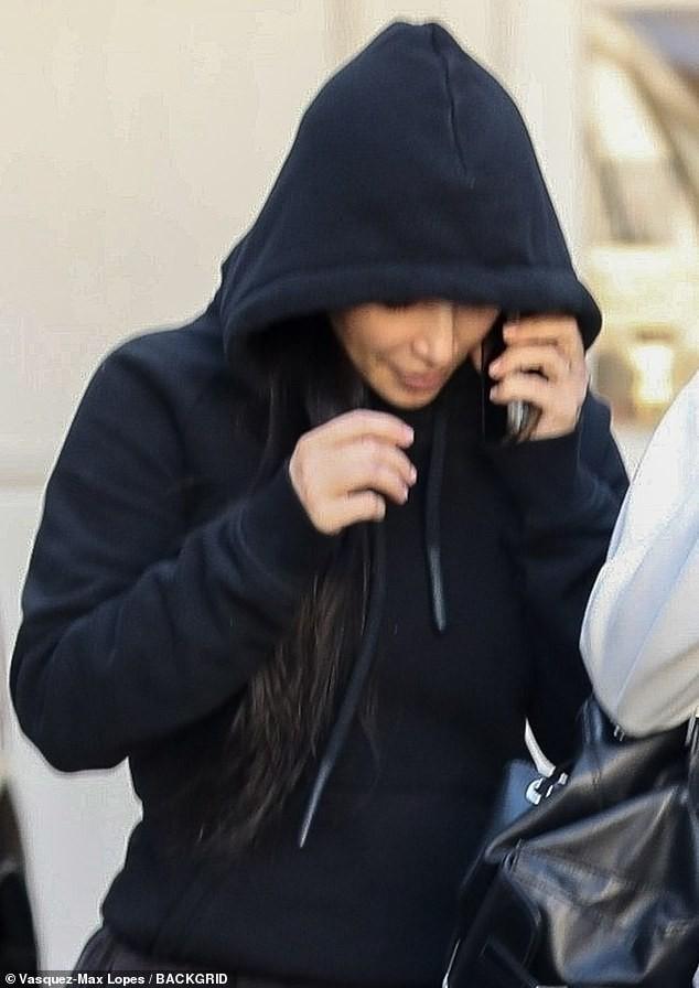 Tỉnh như Kim Kardashian: Hôm trước sơ tán tránh hỏa hoạn, hôm sau vẫn ra thẩm mỹ viện tiêm botox - Ảnh 3.