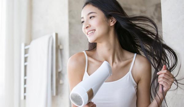 Nếu sấy xong thấy tóc cứ khô cong thì bạn đã không quan tâm đến những tips này rồi! - Ảnh 5.