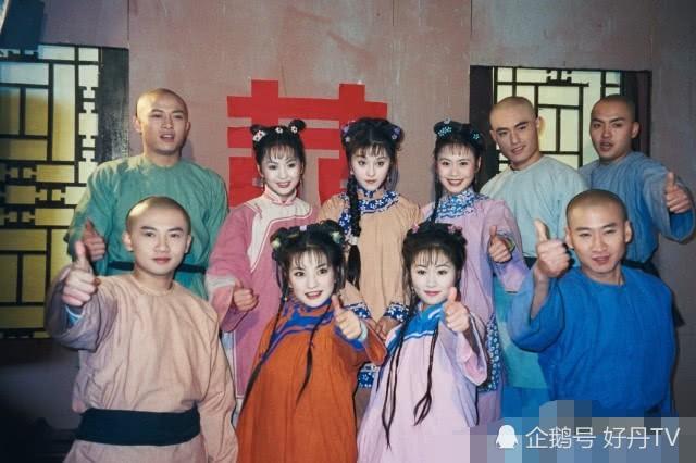 Sau 20 năm, Liễu Hồng và Tiểu Yến Tử của Hoàn Châu Cách Cách hội ngộ, tình cảm vẫn thắm thiết như xưa - Ảnh 2.
