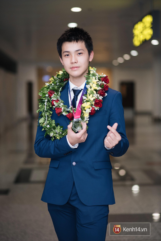 Nam sinh 2002 đẹp trai như nam thần, giành HCB Olympic Thiên văn học Quốc tế: Mê chơi LOL, đang tập gym để có 6 múi - Ảnh 1.
