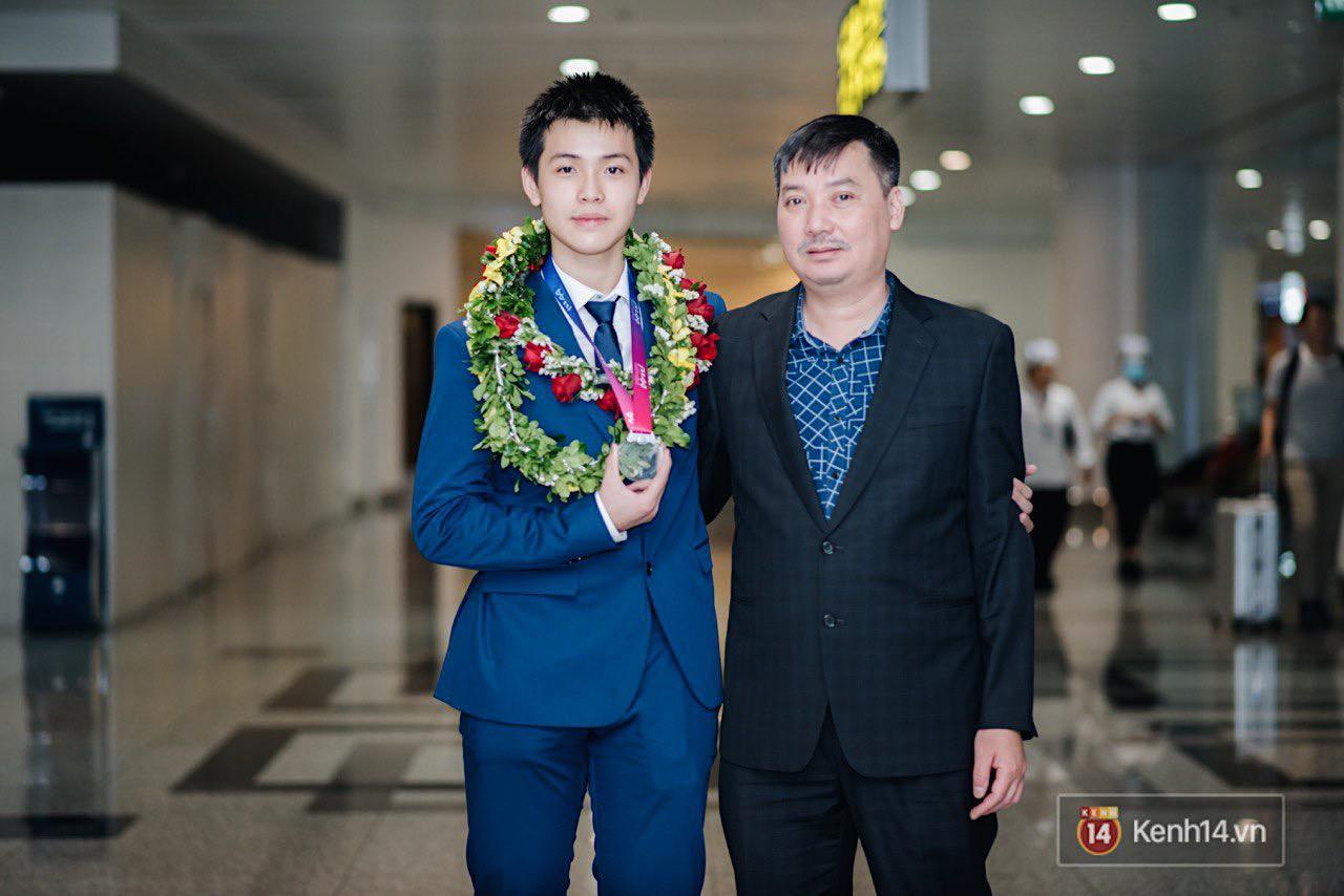 Nam sinh 2002 đẹp trai như nam thần, giành HCB Olympic Thiên văn học Quốc tế: Mê chơi LOL, đang tập gym để có 6 múi - Ảnh 11.