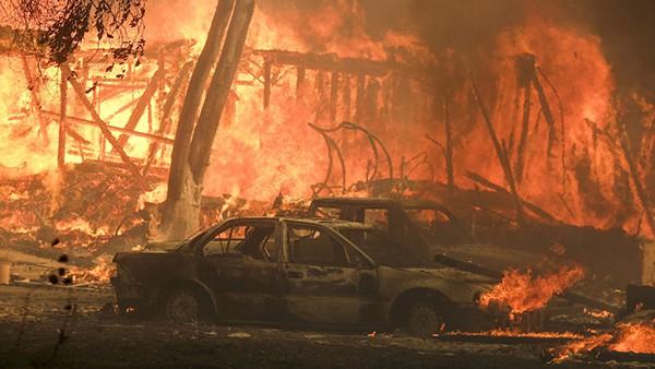 Cháy rừng tại California: Khu nhà giàu thất thủ, hàng loạt dinh thự triệu đô của đại gia và celeb bị thiêu trụi - Ảnh 17.