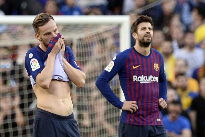 Messi trở lại sau chấn thương gãy tay và ghi 2 bàn, Barca vẫn thua tủi nhục ngay trên sân nhà - Ảnh 9.