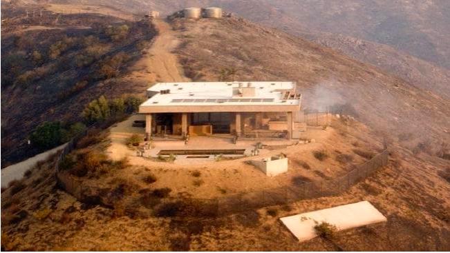 Vụ cháy ở California khiến nhiều sao Hollywood sốc nặng - Ảnh 9.