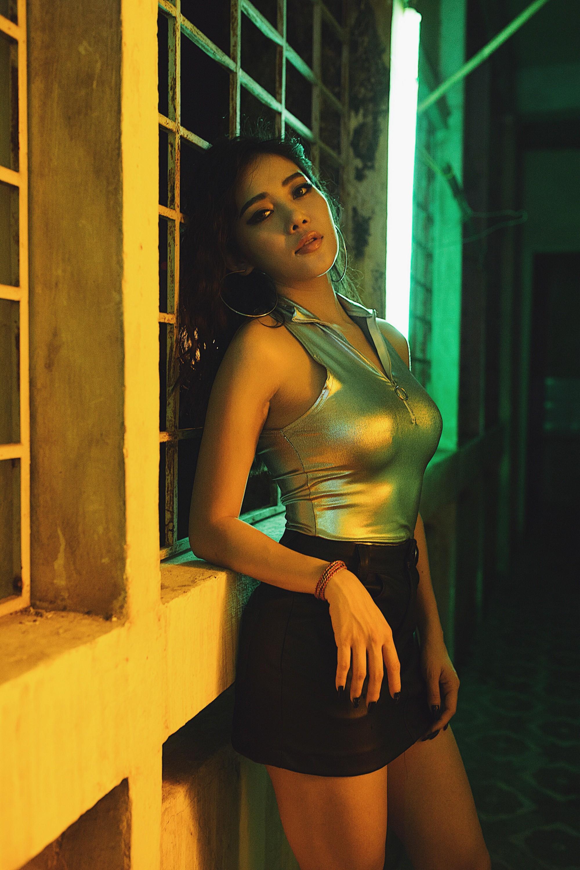 Hạnh Sino hoá thân sát thủ, mời Huyền Baby, Milan Phạm đóng MV như phim hành động - Ảnh 4.