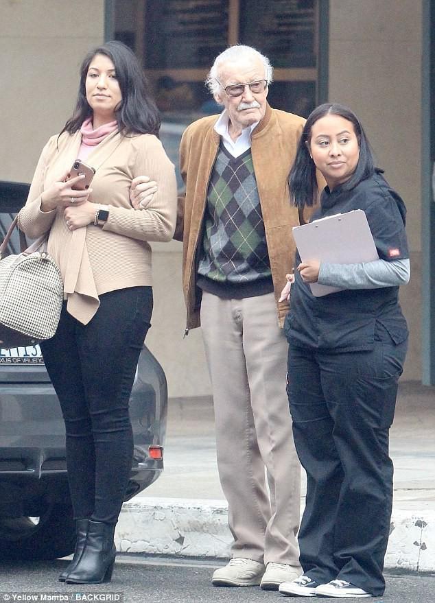 Những năm tháng cuối đời của Stan Lee: Bị vu cáo quấy rối tình dục và chính con gái ruột bòn rút tài sản - Ảnh 2.