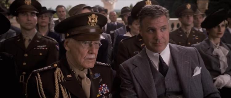 Nhìn lại gia tài vai diễn cameo trên màn ảnh rộng đầy thú vị của thiên tài Stan Lee - Ảnh 13.