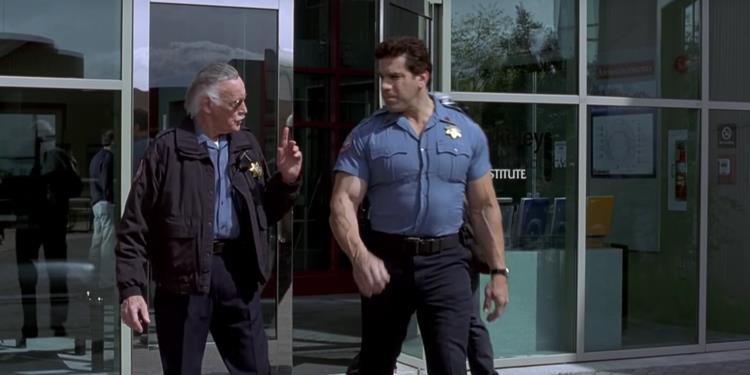 Nhìn lại gia tài vai diễn cameo trên màn ảnh rộng đầy thú vị của thiên tài Stan Lee - Ảnh 3.