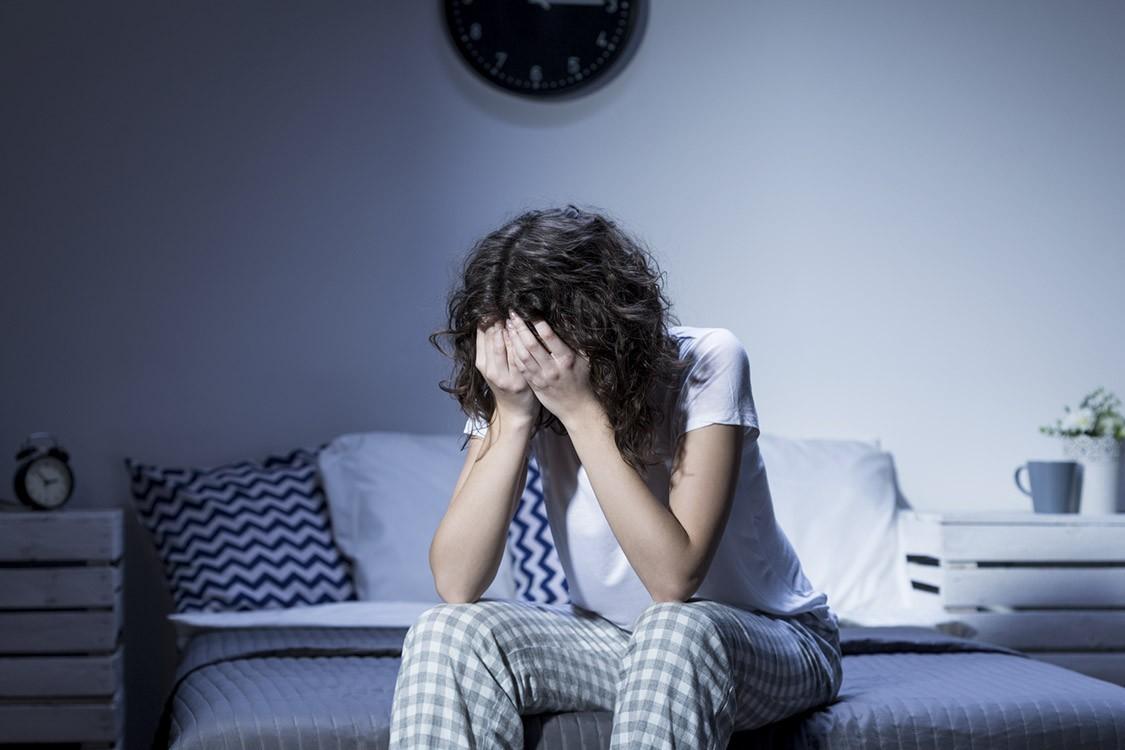 Con gái nên cẩn thận nếu thấy vùng ngực xuất hiện dấu hiệu này, bởi nó có thể cảnh báo 2 hội chứng nghiêm trọng đang tiềm ẩn trong cơ thể