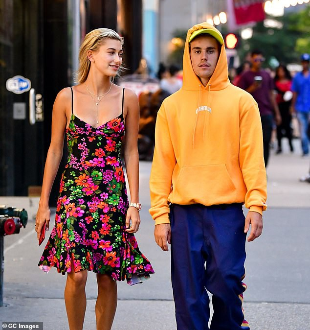 Justin Bieber và Hailey Baldwin mỗi tháng đốt 2,3 tỷ để thuê biệt thự khủng nằm cạnh hồ nước - Ảnh 1.