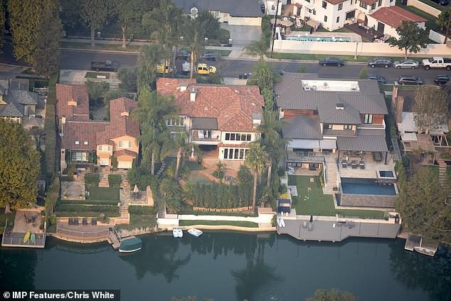 Justin Bieber và Hailey Baldwin mỗi tháng đốt 2,3 tỷ để thuê biệt thự khủng nằm cạnh hồ nước - Ảnh 6.