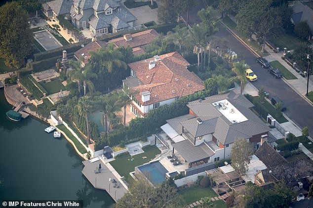 Justin Bieber và Hailey Baldwin mỗi tháng đốt 2,3 tỷ để thuê biệt thự khủng nằm cạnh hồ nước - Ảnh 4.