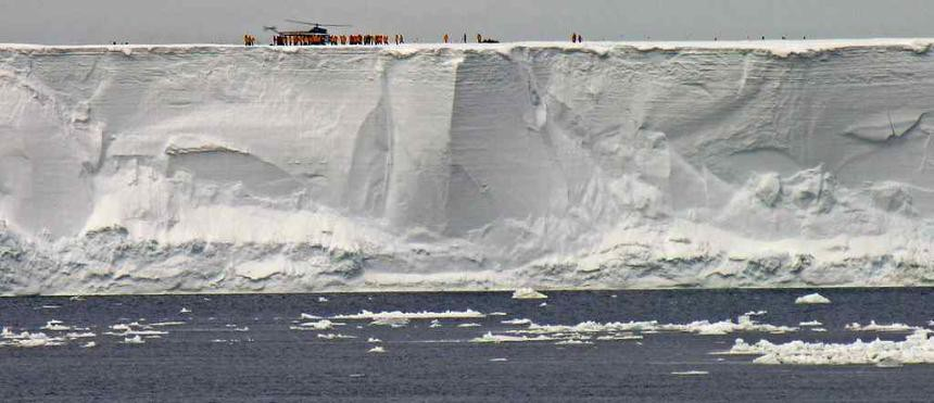 Xem băng tan 40 năm tại Nam Cực trong 1 phút: hậu quả thê thảm của biến đổi khí hậu là đây?