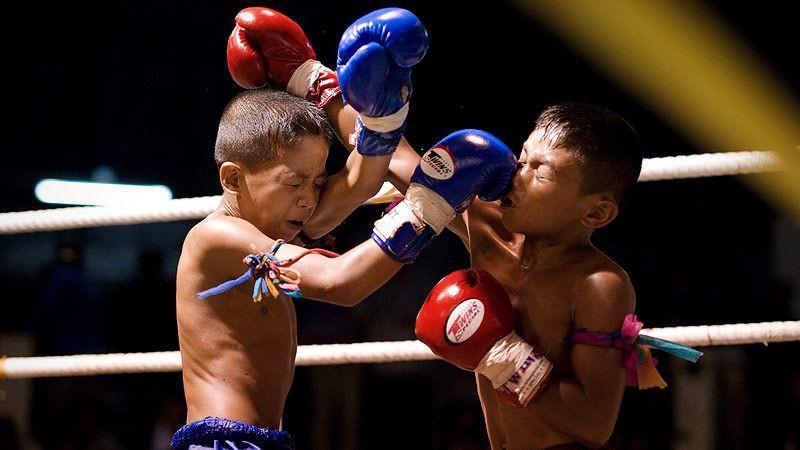 Thi đấu để kiếm tiền nuôi gia đình nghèo, võ sĩ 13 tuổi thiệt mạng thương tâm